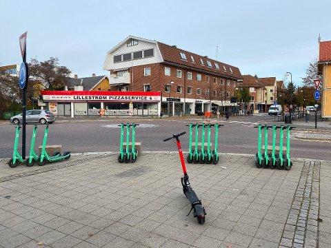 REGELVERK: Elsparkesyklene har inntatt Lillestrøm. Nå diskuteres det en rekke nye regelendringer.