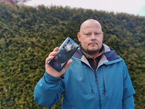 SKUFFET: Morten Elvestrand fra Lillestrøm kjøpte ny telefon for å kunne bruke Telias 5G-nett i hjembyen. Det gikk ikke. Nå føler han seg lurt.