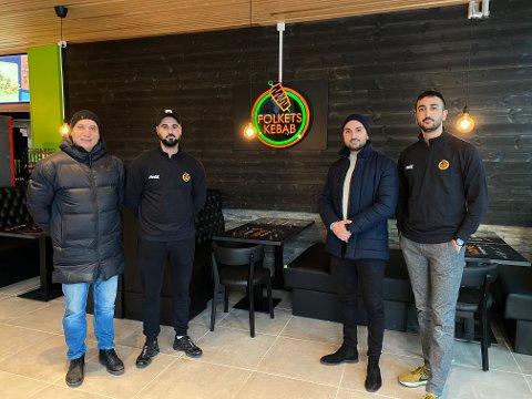 FAMILIEBEDRITF: (f.v) Far og grunnlegger, Faris Alikhani og de tre sønnene Alan, Saman og Sirwan Alikhani.