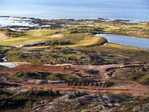 Gimsøy: Fra anleggsarbeidene på golfbanen i juli 2014.Foto: Hugo Johansen  Lofoten golfbane Hoven Tirsdagstur panorama