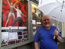 Tidligere kinosjef Hugo Fagermo starter formiddagskino på mandager.