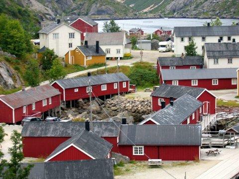 Her fra et av Lofotens mest kjente fiskevær og reisemål, Nusfjord.