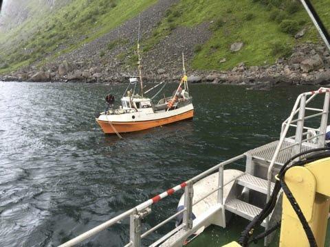 HAVARI:Sjarken lå kloss i fjæra da redningsskøyta kom. Foto: «Det Norske Veritas»