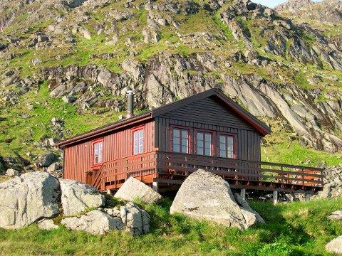 Populær: Lofoten Turlags hytte, Munkebu, er populær. Moskenes kommune advarer nå mot merking av nye stier til hytta.