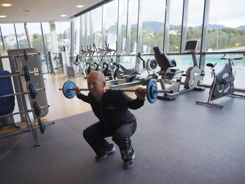 Helt ned: Knebøy er en viktigs øvelsen å kunne teknikken til.