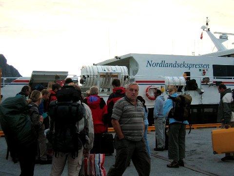 Rasering: Utkastet til nytt samferdselskart for Nordland går sterkt ut over nordfylket. Blant annet skal helårig drift av hurtigbåtruten Bodø-Svolvær bort. Foto: Hugo Johansen.