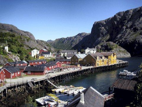 Begrenser: Eierne av Nusfjord i Flakstad begrenser busstrafikken inn til fiskeværet i sommer fra 50 om dagen til 2.