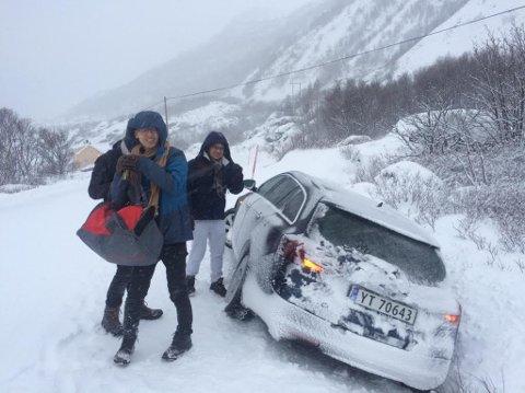De fire turistene var ved godt humør etter utforkjøringa, men selvfølgelig litt preget av det som hadde hendt etter utforkjøringa.