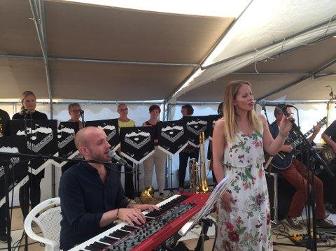 Vant hjertene: Christine Gulbrandsen og Johannes Winther Farstad på scenen under Keiserhelga i Digermulen