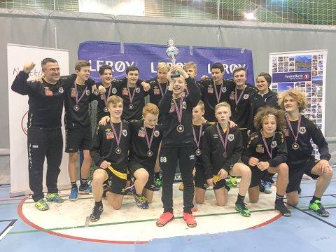 Seier: KIL/SIL G14 kunne juble etter å ha vunnet finalen mot Alta IF i Nyttårsturneringa i Tromsø.