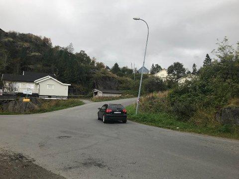 Gangvei: Vågan kommune har søkt om støtte til å få på plass gang- og sykkelsti på Stranda. Første etappe går fra Strømbrua og opp bakken.