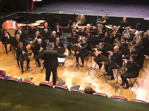Vestvågøy Janitsjar med dirigent Cosmin Harsian