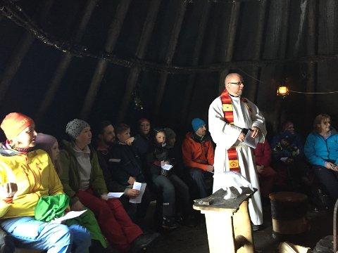 Trives: Nils Jøran Riedl mener det er stor stas med gudstjeneste i det fri i Austpollen