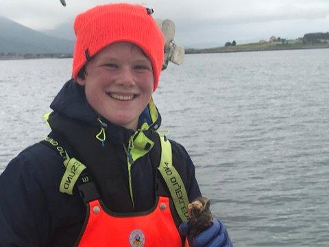 ARTIG: - Kongsneglfiske er en strålende sommerjobb, mener den unge teinefiskeren