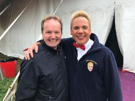 Jan Ketil Smørdal (t.v.) turnerer Norge med Cirkus Agora. I år satser gjengen på mye humor i forestillingene, og da er klovner selvfølgelig med!