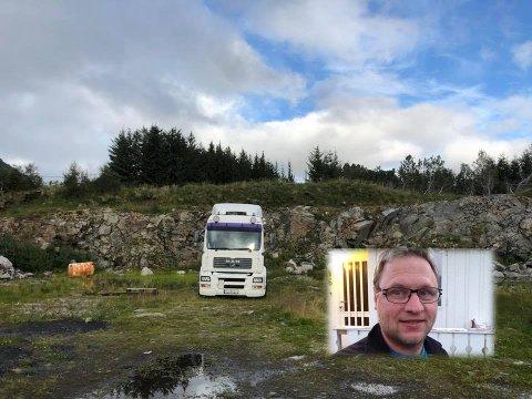 Det er denne MAN trekkvognen som er blitt rundtsjålet. - Det er for jævlig at ting ikke får stå i ro, sier Ivar Solberg.