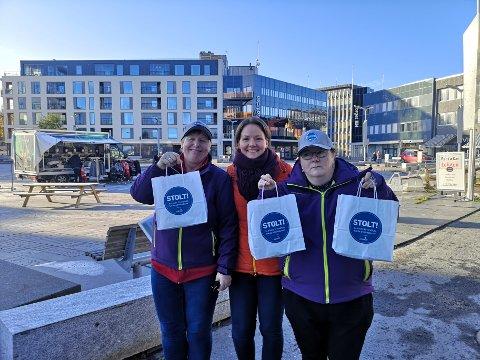 Jobbfruktens dag: Torsdag var Anne Krane, Camilla Eide og Yvonne Hansen på besøk hos bedrifter i Vågan for å promotere Jobbfruktens dag.