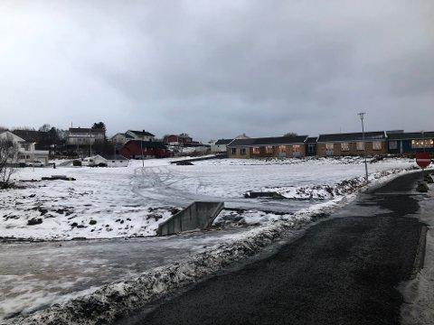 Bobilparkering: Søren Fredrik Voie i Vest-Lofoten Næringsforening foreslår at den nyetablerte parkeringen ved Vest-Lofoten videregående skole kan brukes på sommerstid som midlertidig tilbud for parkering for bobil.