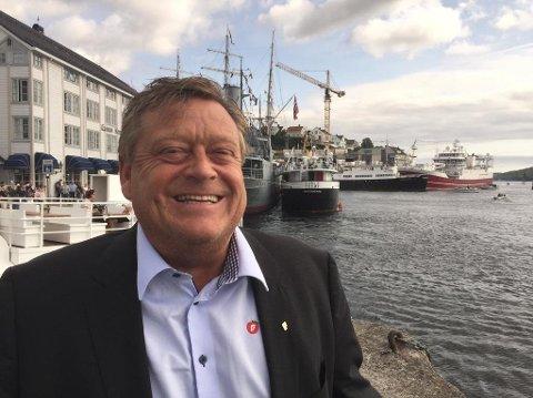 FOLRNØYD. FIskeriminister Harald T. Nesvik(Frp) er fornøyd etter at han har tillatt kommersielt fiske av 254.000 tonn rødåte.