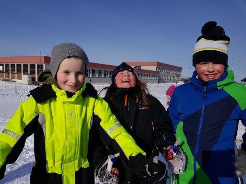 TRIVES:Jørgen Leonore og Lukas trives på Ramberg skole
