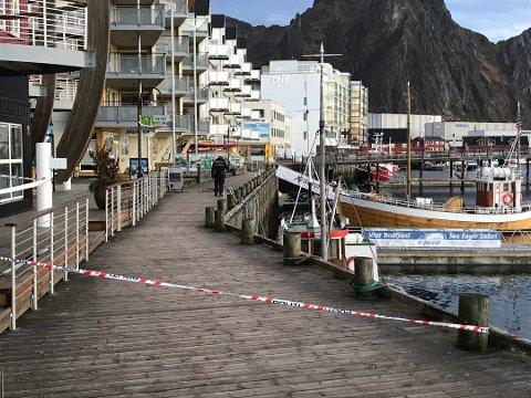 Fortsatt varetekt: Natt til lørdag 10. november ble en mann skutt på kaia i Svolvær. Den siktede i saken sitter fortsatt i varetekt.