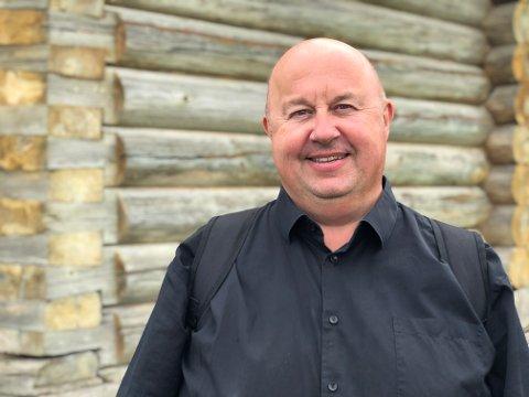 Bok: Forfatter Arnt Olav Klippenberg fra Egersund gir ut boka Ormbitt som har handling fra vikingtiden i Lofoten.