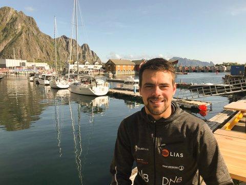 Kjell Egil Krane Ingebrigtsen (26) har tatt utdanning som yrkesdykker i Oslo, og er nå tilbake i Svolvær i full jobb hos Dykkerkompaniet i Vaterfjorden.