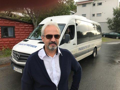 Arild Didriksen (58) fra Kabelvåg skal kjøre Pasientreiser sin buss nå i september 2019.
