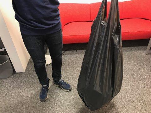 Fram til nyttår får du levere svarte sekker med restavfall til LAS, men da er det slutt. Da skal gjennomsiktige plastsekker tas i bruk.