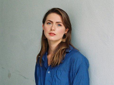 DEBUTERER: 25-åringen fra Ørsnes har vært opptatt av å ha en finger med i spillet i hele prosessen mot nytt album. Nå gleder hun seg til mottakelsen.