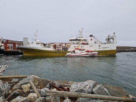 """SISTE GANG: For fjorten dager siden hadde """"Teigenes"""" en grunnberøring på tur inn til levering på Værøy. Nå sier rederen at de ikke lengre vil levere på Værøya på grunn av innseilingen."""