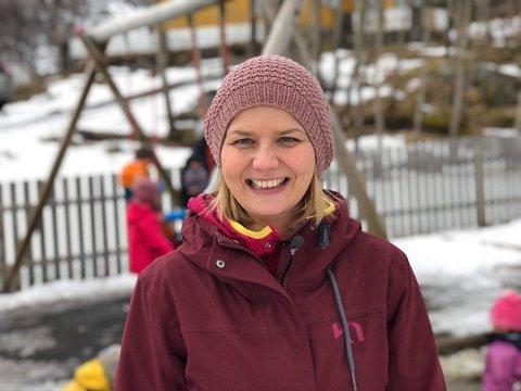 Kunnskaps- og integreringsminister Guri Melby fra da hun besøkte Lofoten i 2019. Her fra en tur innom Filipsstua friluftsbarnehage i Kabelvåg.
