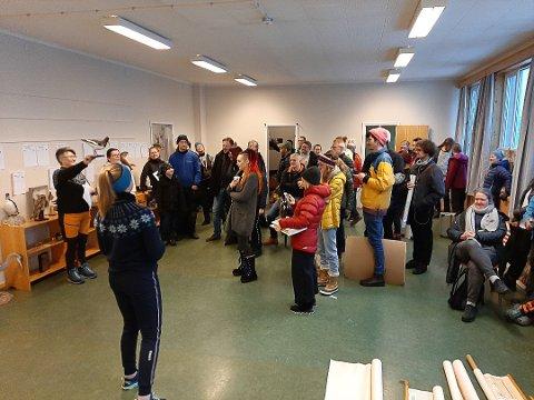 SALG: Mange møtte opp på ryddesalget på Ramberg skole 8. februar.