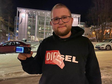 IKKE TRODD: Thomas Freeland hevder det var blodsukkerapparatet han brukte i bilen, ikke en mobiltelefon.