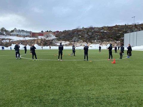 Tilbake: FK Lofoten var tilbake på trening tirsdag, men ble møtt av klynger med 10 til 20 barn - uten foreldre til stede.