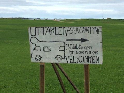 STOPP: Grunneieren får ikke lov til å etablere oppstillingsplass for bobiler på Uttakleiv.