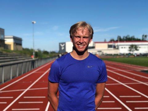 Skadefri: Theodor Alsing Johnsen (17) er endelig friskemeldt etter et brudd i en ryggvirvel som lenge holdt han på sidelinja.
