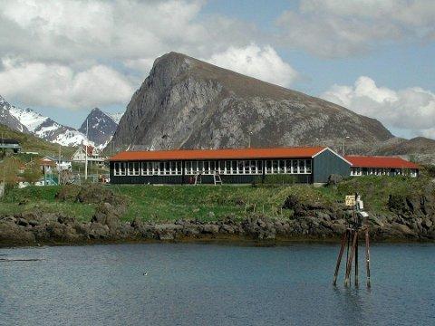 MUGGSOPP: Flakstad kommune og Mycoteam fortsetter målingene i Napp skole.