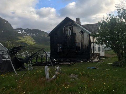 Eneboligen på Farstad fikk skader i brannen.