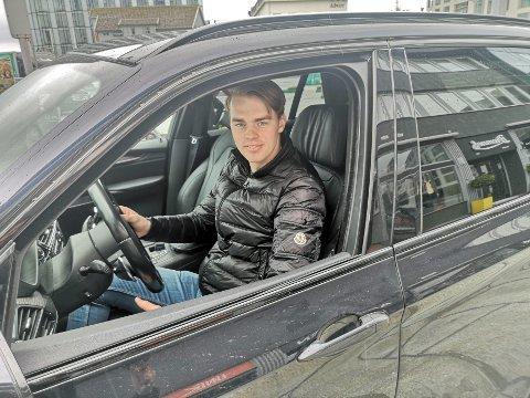 Rusjøring: Det hender jeg får høre at noen har kjørt i rus. Jeg vil ikke si at det er vanlig, men det skjer en gang iblant, sier Rasmus Hagen (18).
