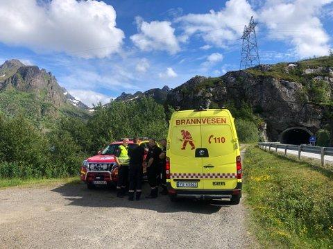 STOR AKSJON: Politi, brannvesen, ambulanse, sjøforsvaret og Sea king deltok i redningsarbeidet