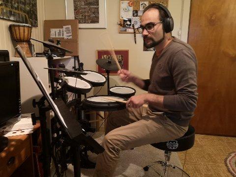 Trommer: Lasse André Mellingsæter har en forkjærlighet for trommer.