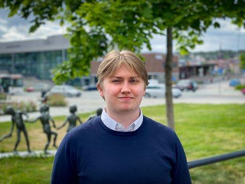 FAST JOBB: Ørjan Danielsen (20) fra Leknes har fått fast jobb i IT-selskapet Funn AS.