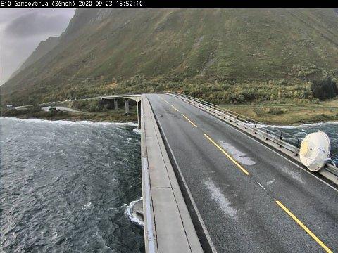Badestampen blåste av hengeren på Gimsøybrua