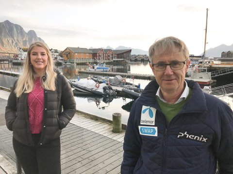 UTSATT: Operasjonsleder Elisabeth Røynestad og dekningsdirektør Bjørn Amundsen i Telenor sier at 5G ikke kommer til Lofoten før tidligst i 2022.