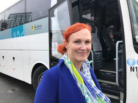 NYTTÅR: Et morratilbud med buss til hurtigbåten og pendlerbuss til Svolvær for folk bosatt i Kabelvåg kommer fra nyttår, sier en glad varaordfører Lena Hamnes (Ap).