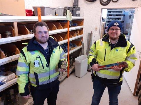 Entreprenører og rørleggere skal melde inn til Vestvågøy kommune hvor de legger ned stikkledninger for vann og avløp, men Karl Petter Johansen og Tom Kristian Halland ser sjelden noe til slike innmeldinger. Nå tar de grep for å unngå for store problemer i fremtiden.
