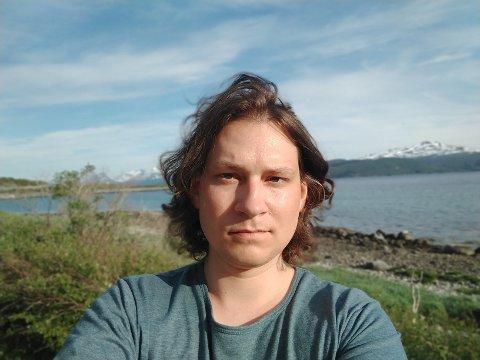 TRENGTE HJELP: Kim-Remi Sandvær (32) har selv hjulpet andre som sliter psykisk gjennom sin jobb som sykepleier, men da han selv trengte hjelp var veien lang.