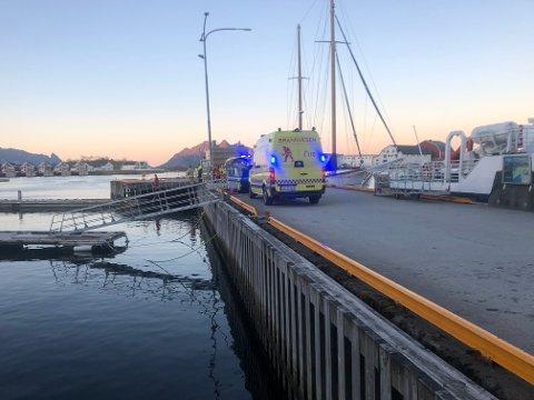 Hendelsen skjedde ved den ytterste flytekaia ved gjestekaianlegget i Svolvær mandag kveld.