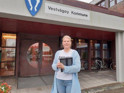 Fornøyd: Leder for legevakta og sentral i vaksineringsarbeidet, Hilde Holand, sier arbeidet med å vaksinere innbyggerne går etter planen.